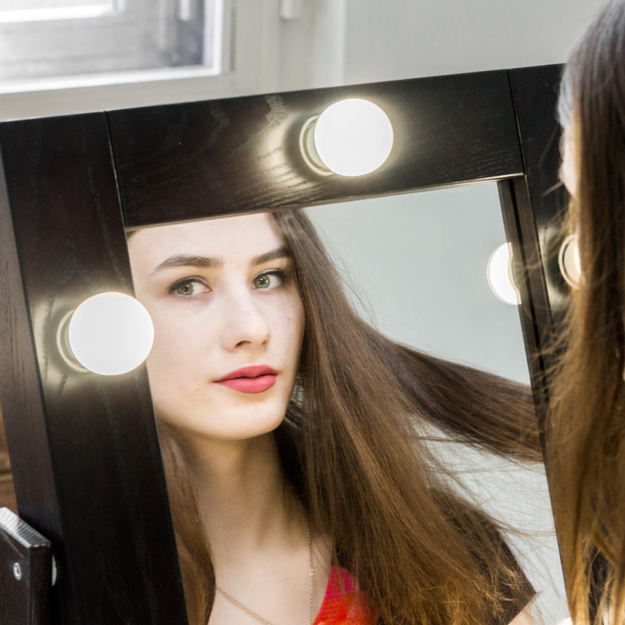 Какое освещение для макияжа